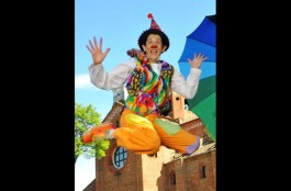 Clown-Revolution-Ginevra-Sanguigno-Gin-clown-jump-TeatroOutOff-2016-1
